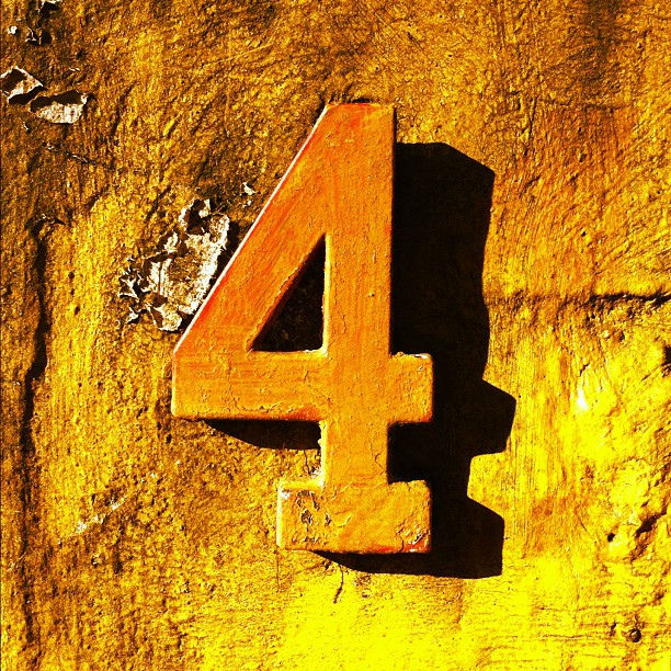 Number-4-numerology-compatibility